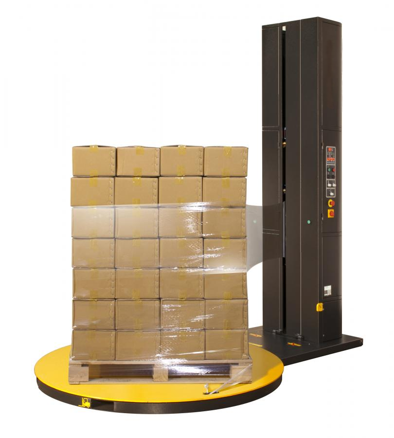 Stretch wrapping pallets